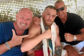 El luchador Conor McGregor se olvida de su derrota frente a Mayweather en Sant Antoni