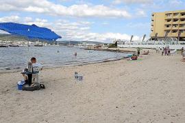 Las quejas continúan en Caló d'en Serral una vez reabierta la playa