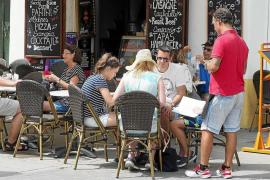 El paro interanual desciende un 14,3% en Ibiza y un 27,3% en Formentera