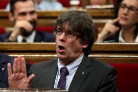 """Puigdemont quiere organizar el referéndum aunque haya un """"tsunami de querellas"""""""