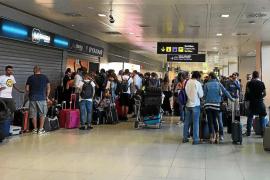 Indignación ciudadana por tres vuelos de Ryanair cancelados horas antes de su salida