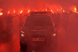 Detienen en Ibiza a un implicado por los incidentes antes del derbi entre el Sporting y el Oviedo