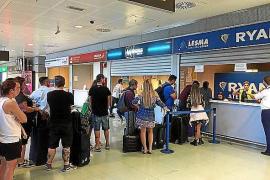 La huelga de controladores franceses cancela 11 vuelos en Ibiza