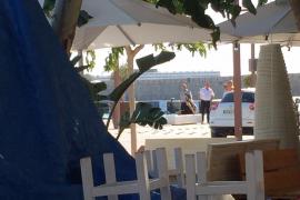 Cazado 'in fraganti' un hombre que trataba de robar un maletín del príncipe Abdul Aziz