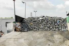 El Consell no prevé ampliar a corto plazo la planta de residuos y busca alternativas