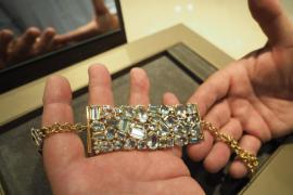 El gemólogo Flavio Lucchini en su joyería de Dalt Vila