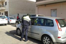 Sorprendido en Sant Antoni conduciendo sin carnet y con una pistola simulada