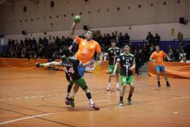 El HC Eivissa debuta con victoria en Villarreal