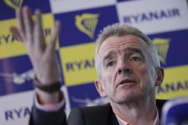 Ryanair niega que falten pilotos y admite costes millonarios por indemnizaciones
