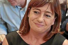 La presidenta Armengol dice que «no habría sacado las urnas a la calle» en Catalunya