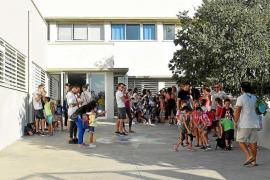 Los pitiusos suspenden al sistema educativo y creen que el abandono escolar es el gran problema