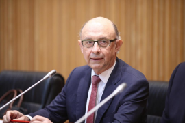 Hacienda propone a los sindicatos una subida salarial para los funcionarios de hasta el 7% en tres años