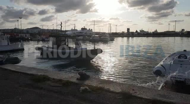Salvamento Marítimo rescata a un yate tras sufrir una vía de agua en Ibiza