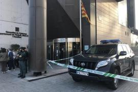 """Gobierno y PSOE ofrecen un diálogo """"dentro de la ley"""" a los independentistas tras el 1-O"""