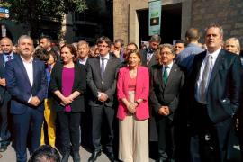 Gritos de 'Votaremos' durante la comitiva de las autoridades por la fiesta de La Mercè