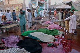 Más de 50 muertos y 110 heridos en un doble atentado suicida en Pakistán