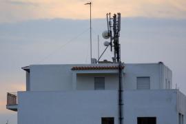 Fiscalía pide a la Guardia Civil que investigue las antenas de móvil instaladas en azoteas de Jesús