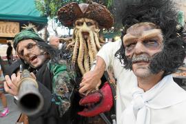 'Los piratas invaden Sant Antoni' en la VIII Feria Marinera Medieval