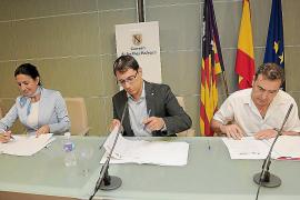 La precipitada firma del acuerdo de hostelería divide a las patronales turísticas