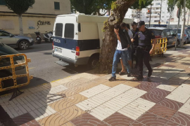 Pasan a disposición judicial seis de los ocho argelinos llegados en patera a Formentera