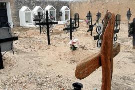 El Govern autoriza la subvención para exhumar la fosa del cementerio en Sant Ferran