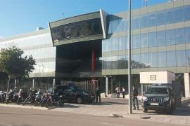 La Guardia Civil acude al Centro de Telecomunicaciones para comprobar la suspensión de los servicios informáticos