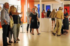 La luz de Ibiza plasmada en las obras de Marie-Antoinette Courtens
