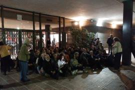 Los Mossos se personan en Enseñanza y descartan cerrar por la presencia de gente