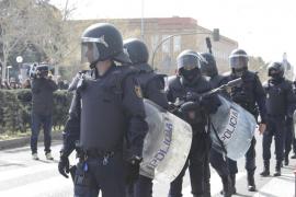 La Policía y la Guardia Civil se despliegan en los centros electorales del 1-O ante la pasividad de los Mossos