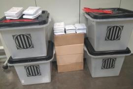 La Policía requisa las primeras urnas y papeletas en el distrito barcelonés de Sant Martí