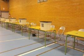 Los Mossos ya han cerrado más de 90 colegios electorales