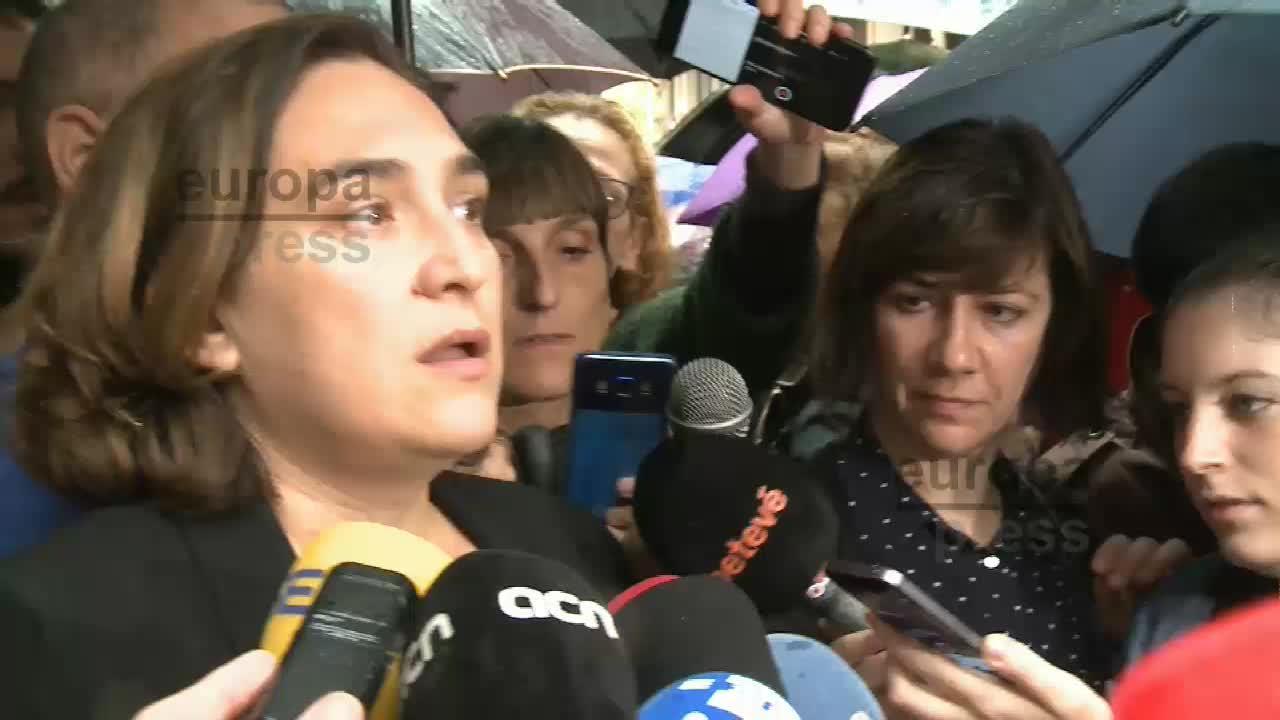 """Colau pide la dimisión de Rajoy por """"cobarde"""" y articular una mayoría alternativa"""