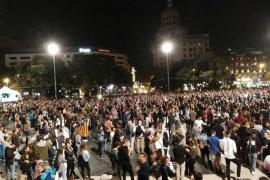 Comisiones Obreras y entidades independentistas convocan huelga general este martes en Cataluña