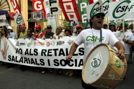 Los conflictos laborales colectivos aumentaron un 15% en 2010 por los recortes de la Administración