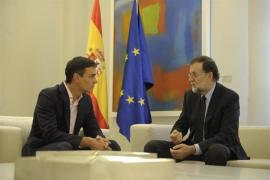 Pedro Sánchez exige a Rajoy que negocie «de inmediato» con Carles Puigdemont