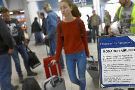 Miles de turistas se han visto afectados en Balears por la quiebra del grupo británico Monarch