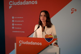 «Así no. Saltándose las leyes democráticas, no. Dividiendo a los catalanes, no»