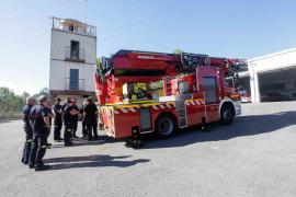El Parque de Bomberos de Ibiza adquiere un nuevo vehículo autoescala