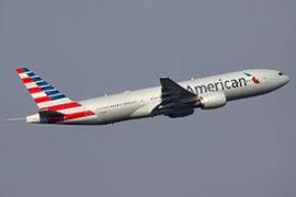 """American Airlines recomienda a sus pasajeros no volar a Cataluña estas semanas por """"inestabilidad política"""""""