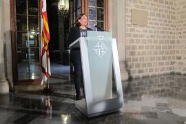 """Colau pide a Puigdemont frenar la DUI y a Rajoy """"responsabilidad"""" para negociar"""