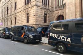 La Policía Nacional cumple la orden del TSJC y ya vigila el Palau de Justicia