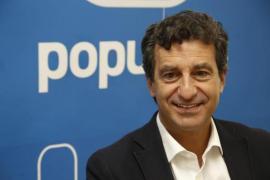 Company reitera ante los enfermeros su compromiso de que el catalán será un mérito en la sanidad