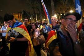 «Decepción» entre los miles de concentrados ante el Parlament