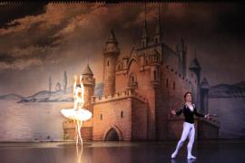 Tchaikovsky vuelve a impregnar de magia el Palau con 'El lago de los cisnes'