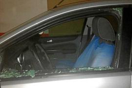 La policía investiga una serie de robos y daños en coches de Vila