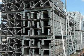 Llegan los primeros materiales para instalar las gradas en Sant Francesc