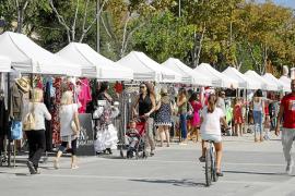 El pequeño comercio de Vila sale a la calle con grandes descuentos