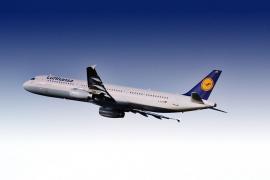 Lufthansa invertirá 1.500 millones de euros en la compra de la mayor parte de Air Berlin