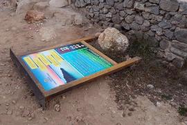Actos vandálicos en la playa de Cala Salada