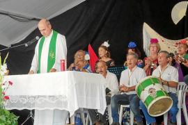 Los vecinos de Cala de Bou celebran sus fiestas con devoción rociera